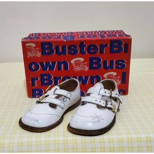 Vintage Buster Brown Sprout Shoes White